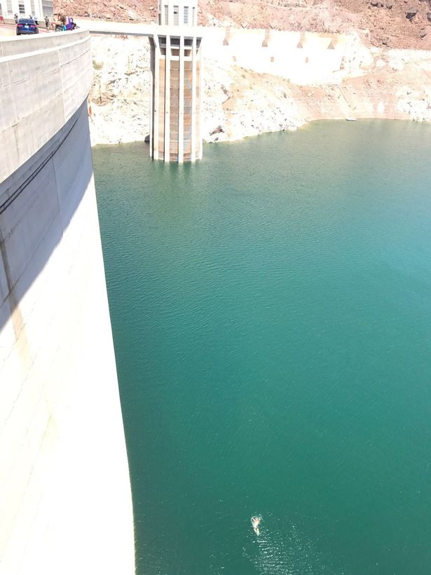 PAY-Arron-Hughes-swims-across-Hoover-Dam.jpg