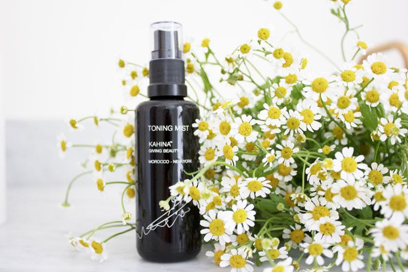 STEP 2: TONE AND RE-HYDRATE WITH  KAHINA TONING MIST