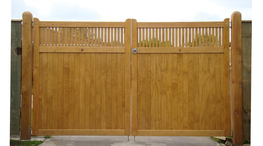 WITTEN GATE.jpg