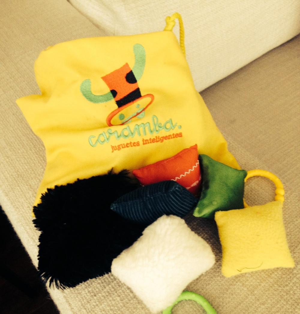 Bolsa de texturas de la tienda Caramba... lamentablemente ya no la venden, pero es fácil de hacer.
