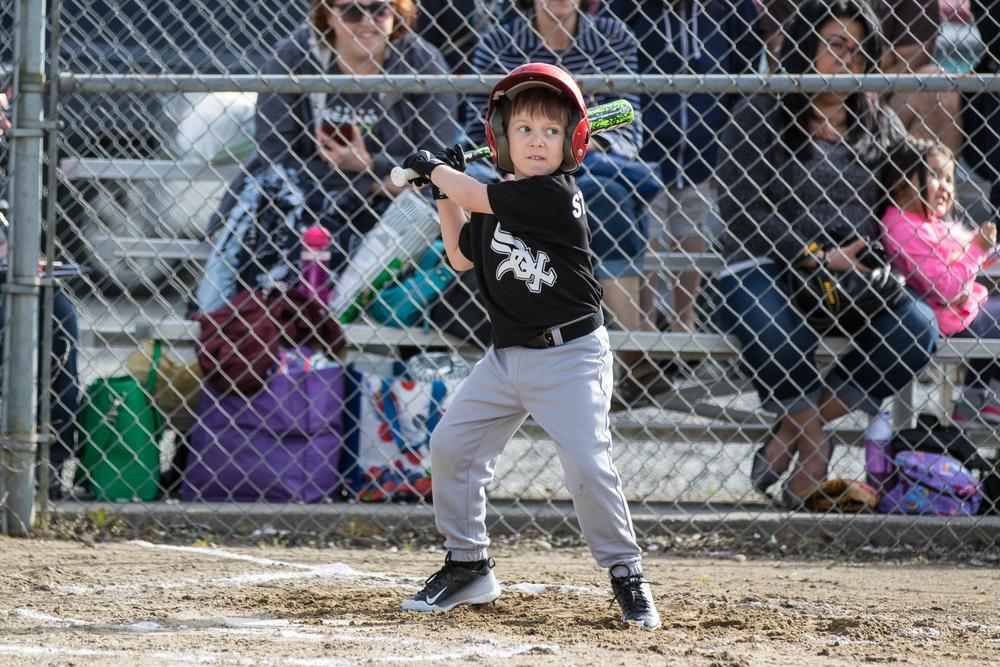 Finn Baseball 2015 L46A7335-71.jpg