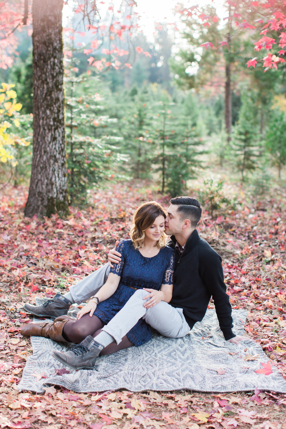 apple-hill-placerville-california-fall-engagement-photography