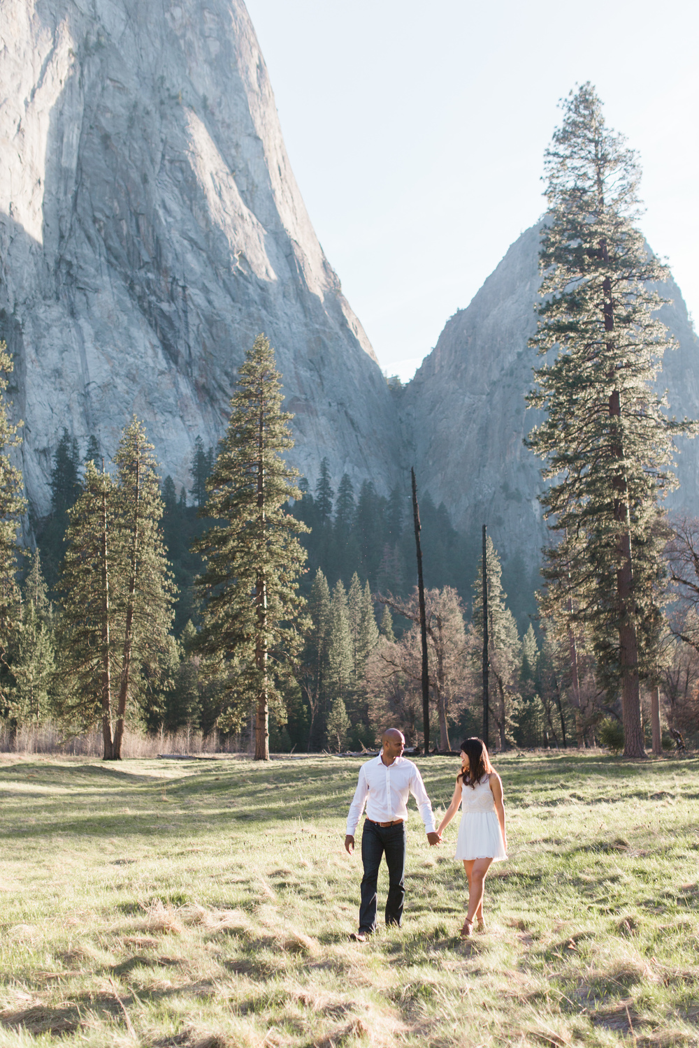 Yosemite-national-park-engagement-photography-film.jpg