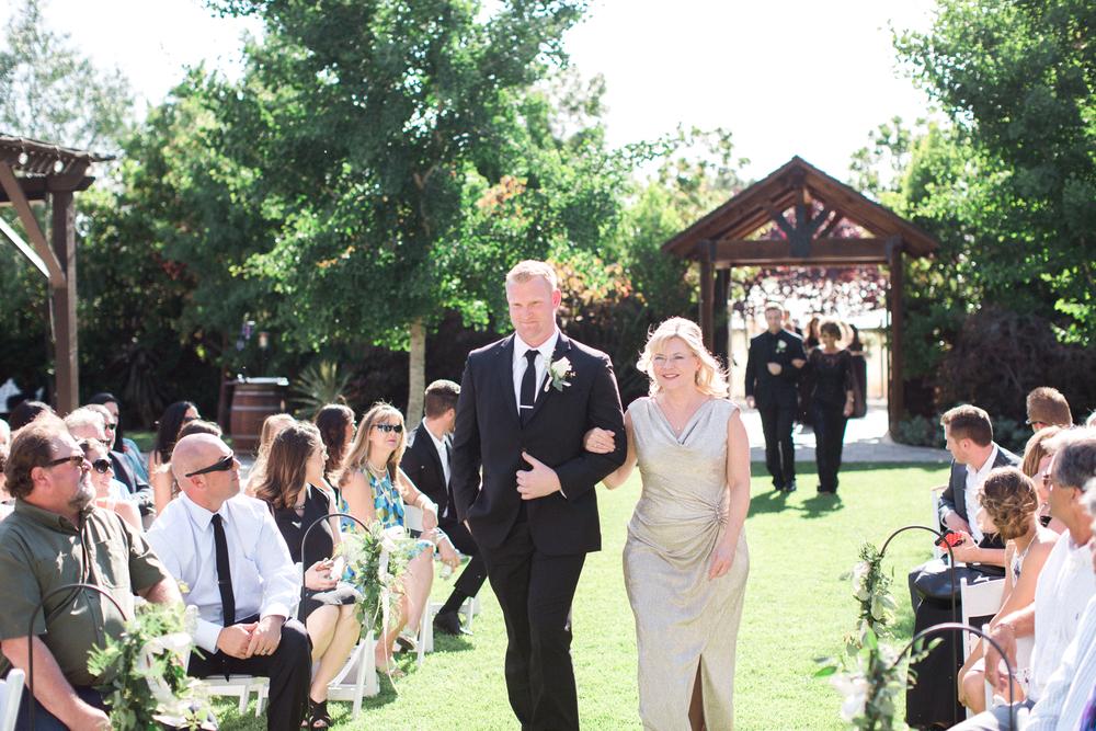 crooked-vine-winery-wedding-1-34.jpg