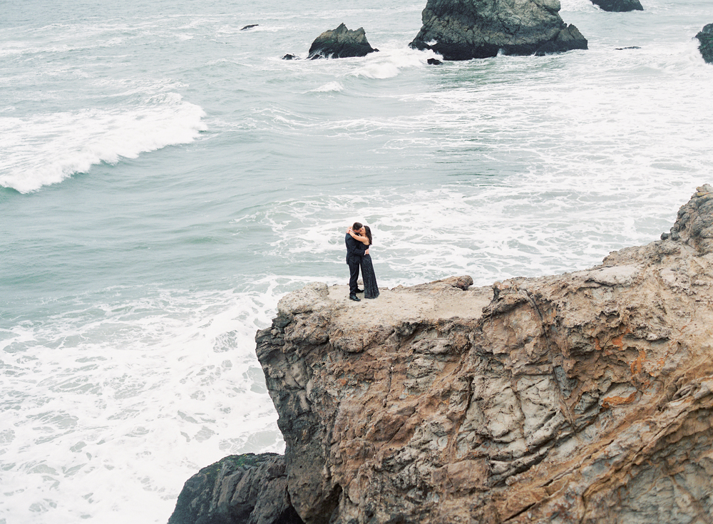 sutro-baths-engagement-photos-1-3.jpg