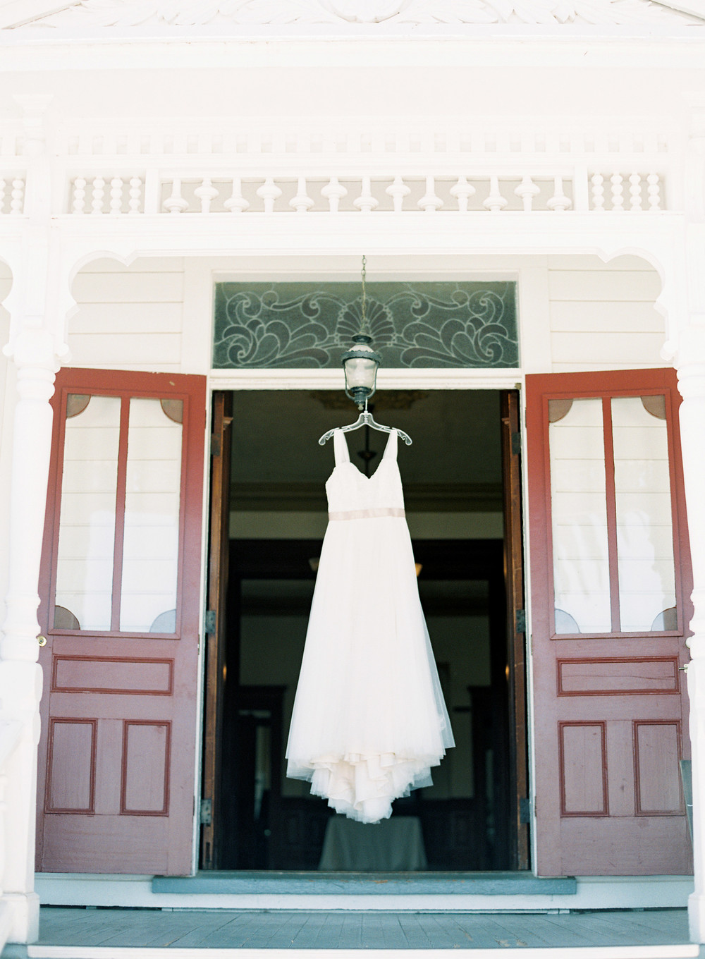 southern-inspired-wedding-at-ravenswood-historic-site-014-3.jpg