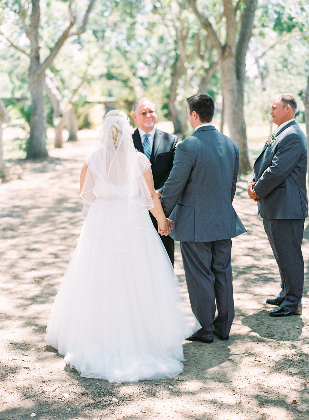 southern-inspired-wedding-at-ravenswood-historic-site-008-6.jpg