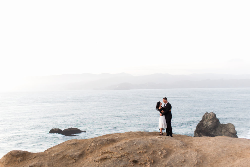 Suto-baths-engagement-photography-14.jpg