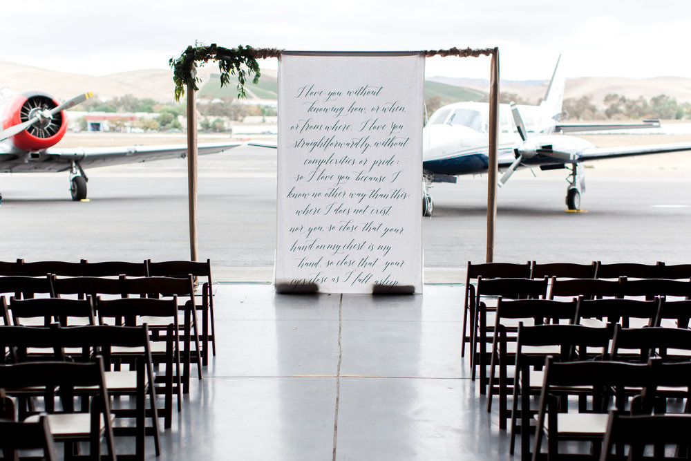 airport-hanger-wedding-at-attitude-aviation-in-livermore-24.jpg