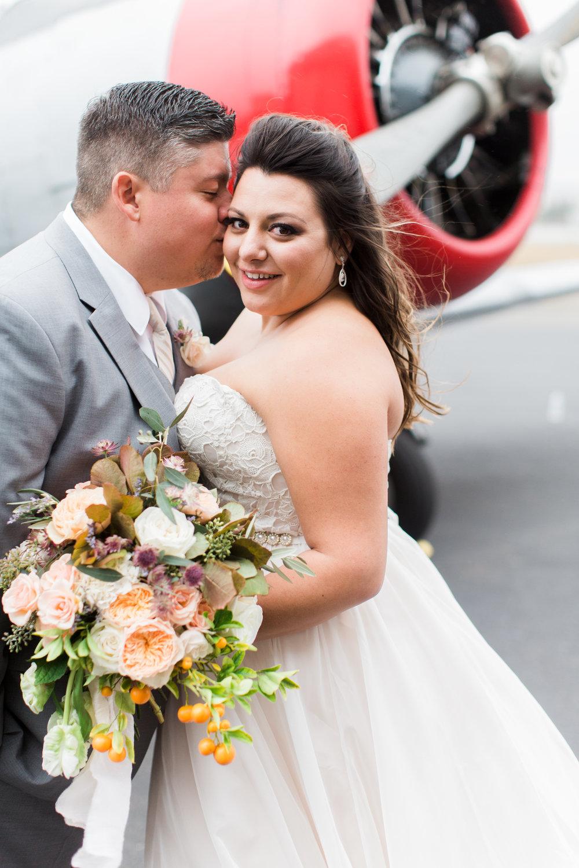 airport-hanger-wedding-at-attitude-aviation-in-livermore-76.jpg