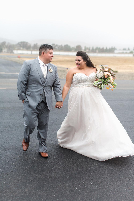 airport-hanger-wedding-at-attitude-aviation-in-livermore-83.jpg