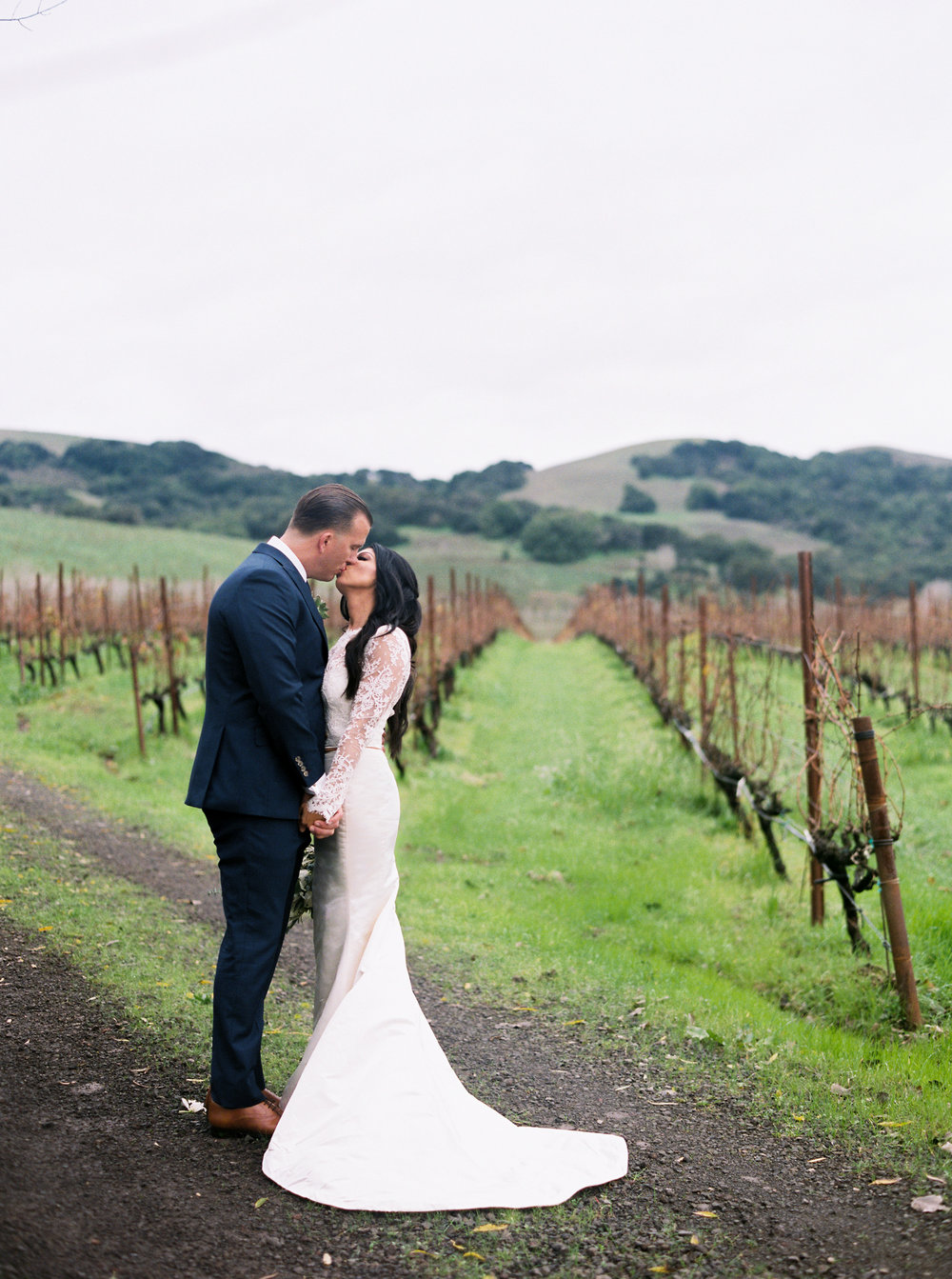 romantic-wedding-at-cline-winery-in-sonoma-california-1-10.jpg