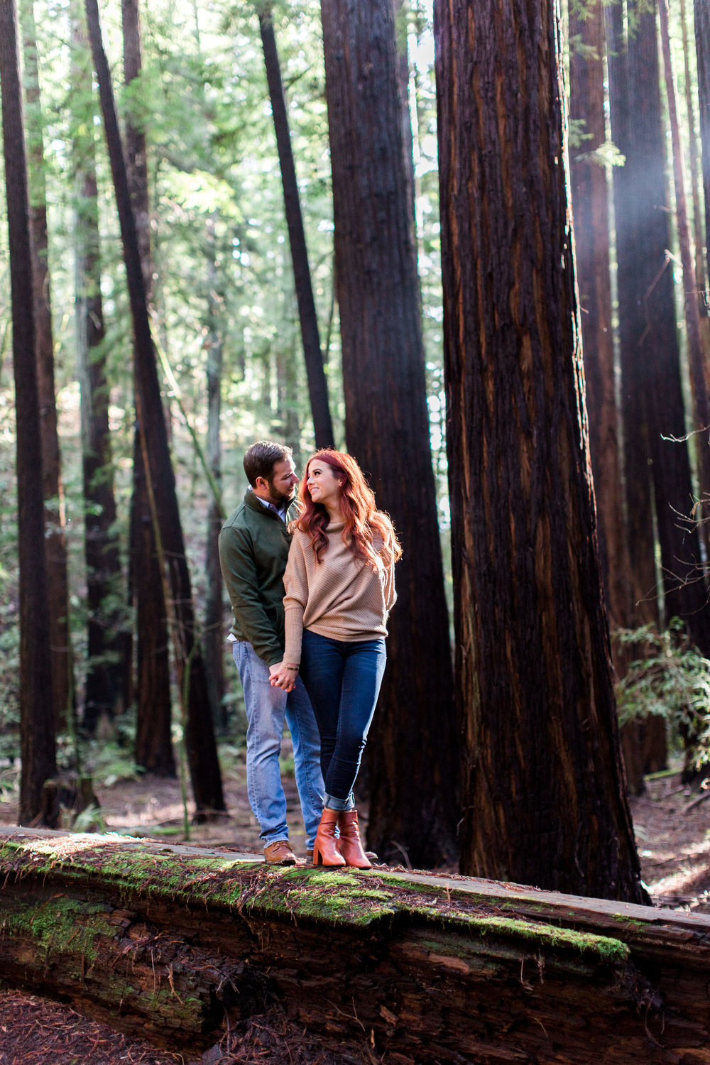 armstrong-redwoods-state-natural-reserve-engagement-photography