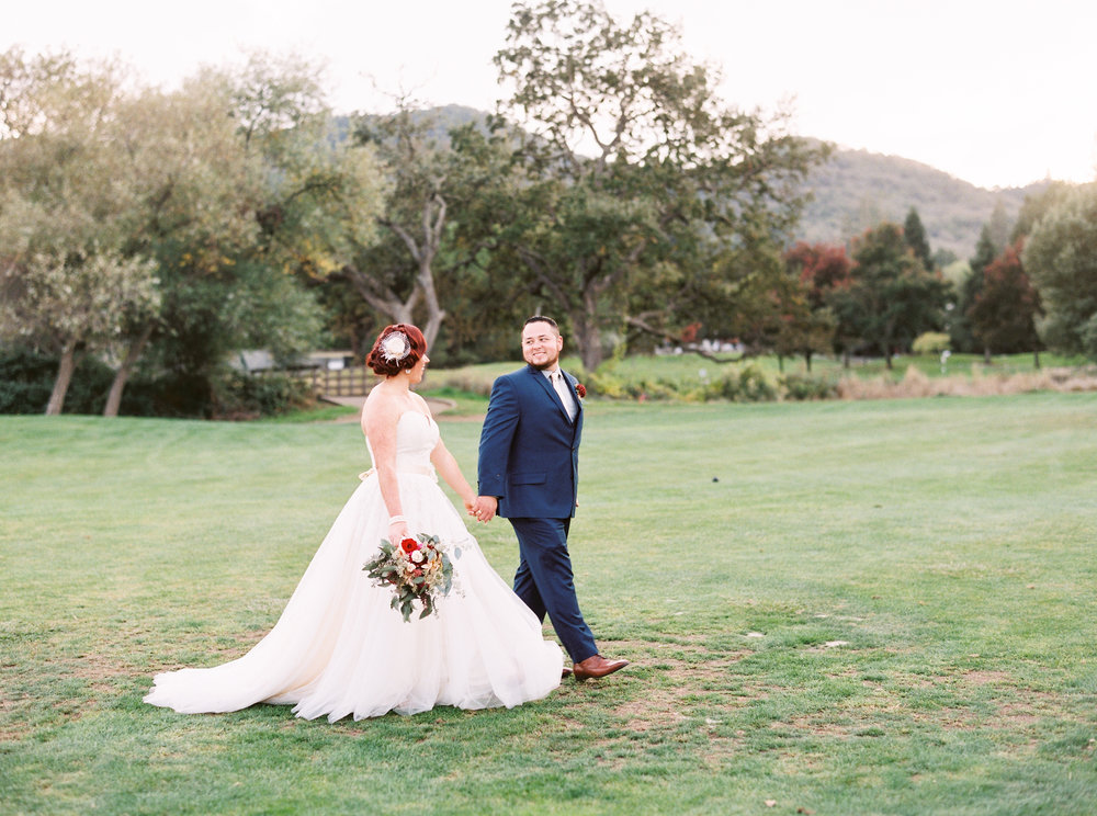 fall-inspired-wedding-at-vitners-golf-club-in-napa-california-5.jpg