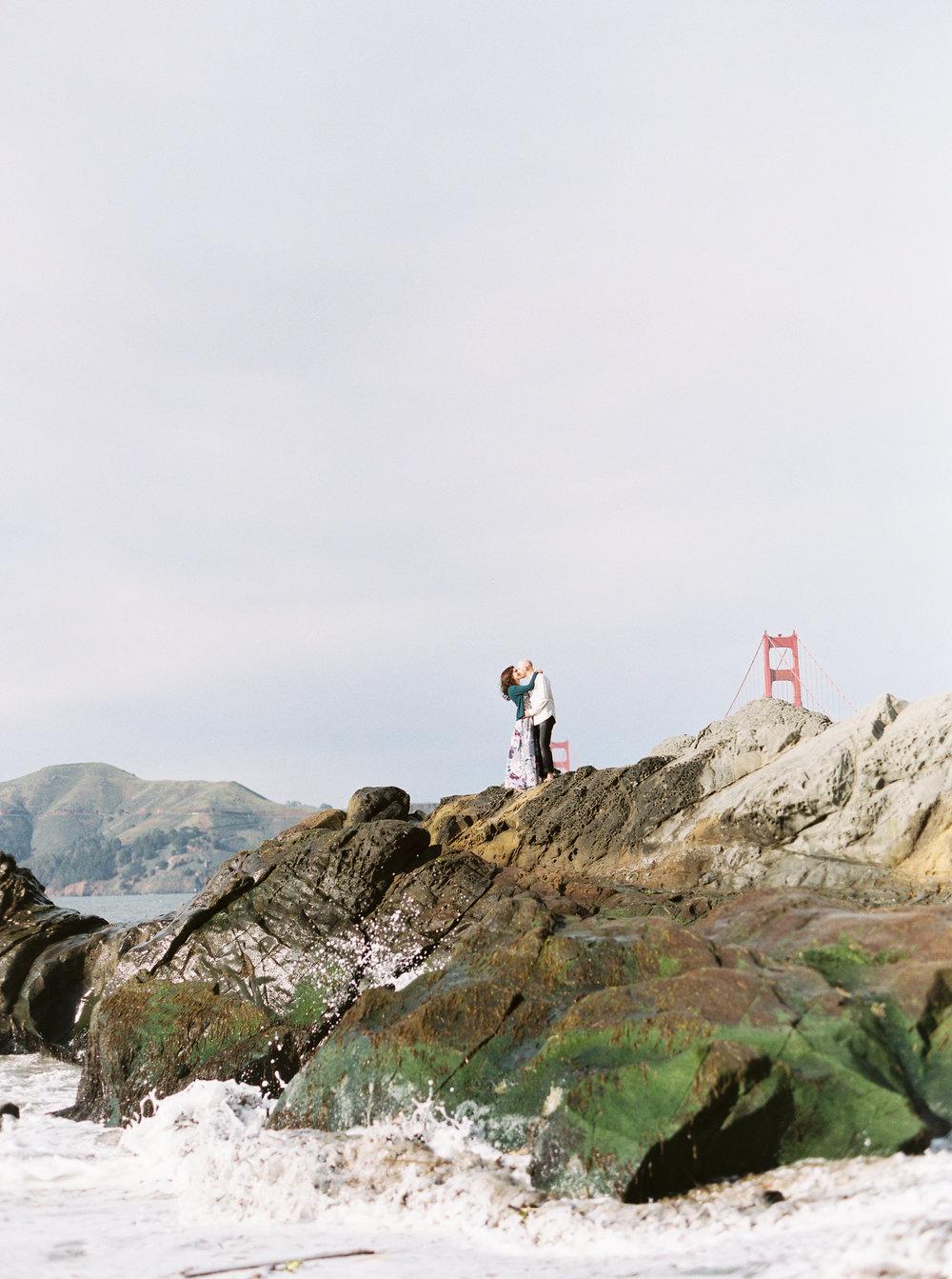 baker-beach-san-francisco-engagement-photography-17.jpg