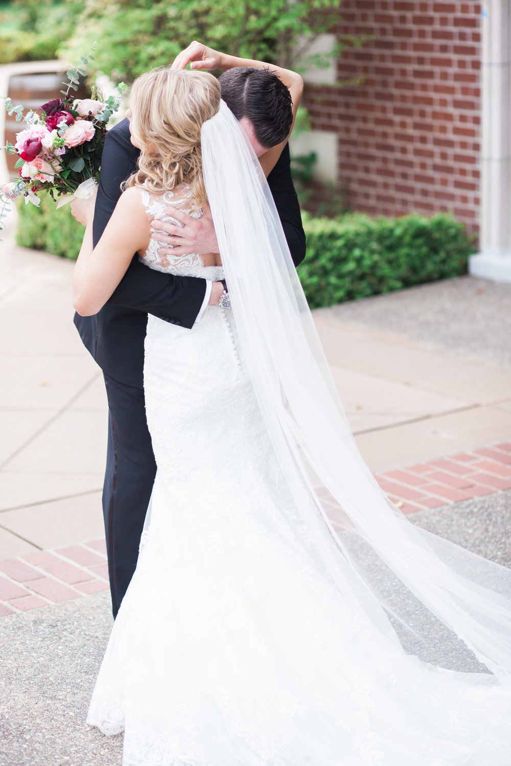 spring-inspired-wedding-at-kohl-mansion-burlingame-california-11.jpg