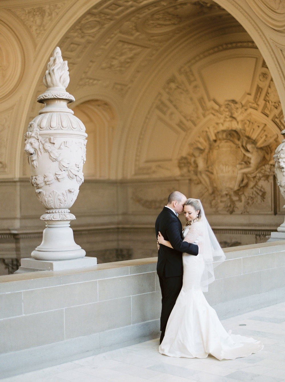 san-francisco-city-hall-elopement-9.jpg