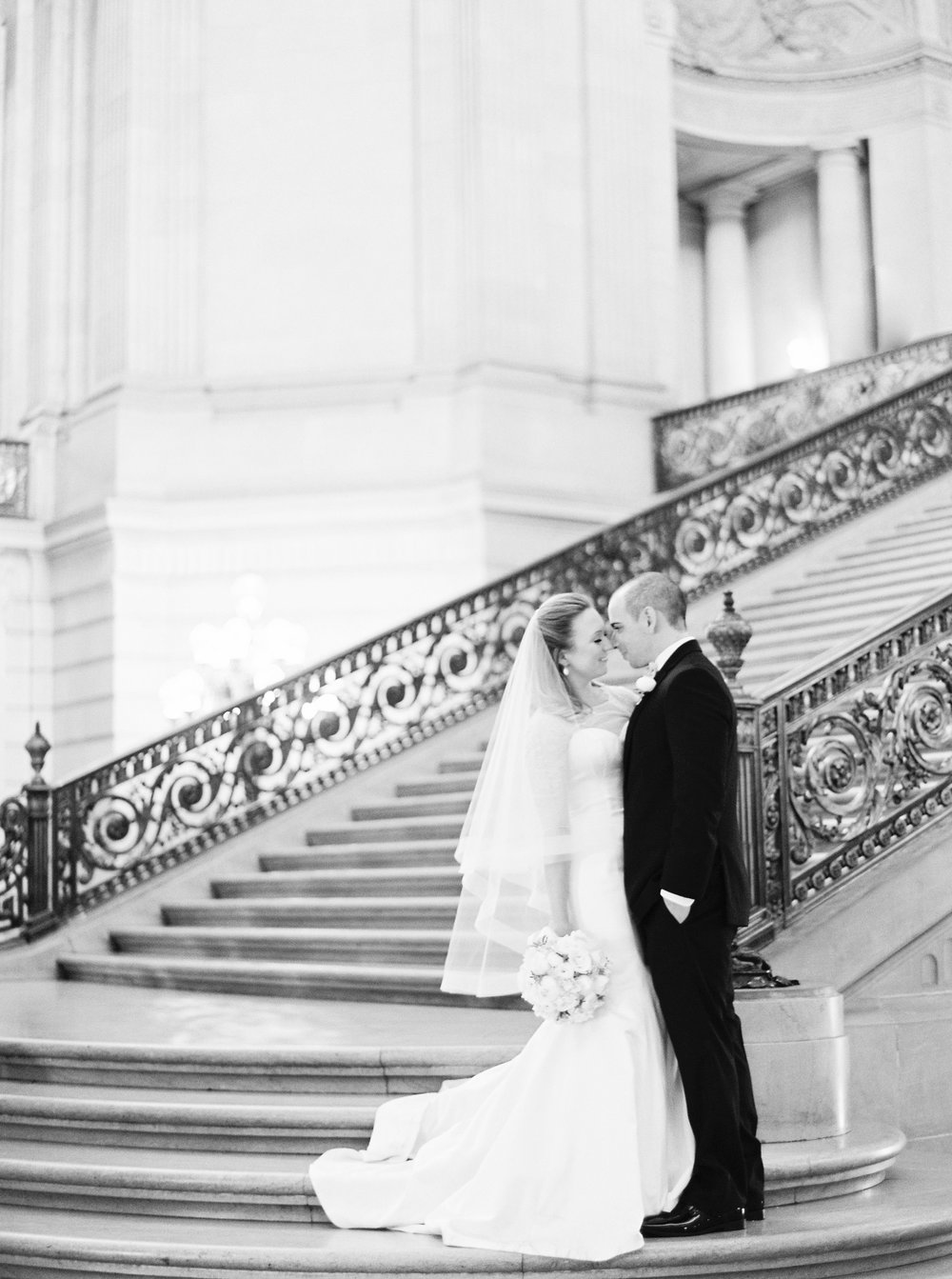 san-francisco-city-hall-elopement-2-2.jpg