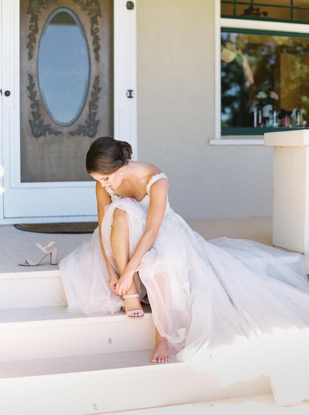 blush-wedding-at-scribner-bend-vineyards-sacramento-california-34.jpg
