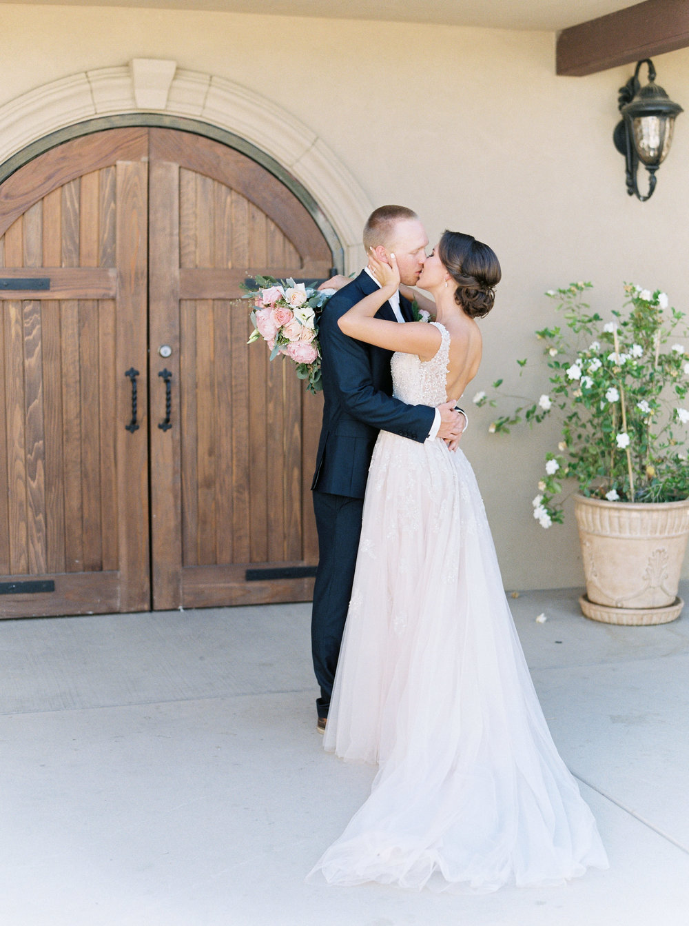 blush-wedding-at-scribner-bend-vineyards-sacramento-california-1-2.jpg