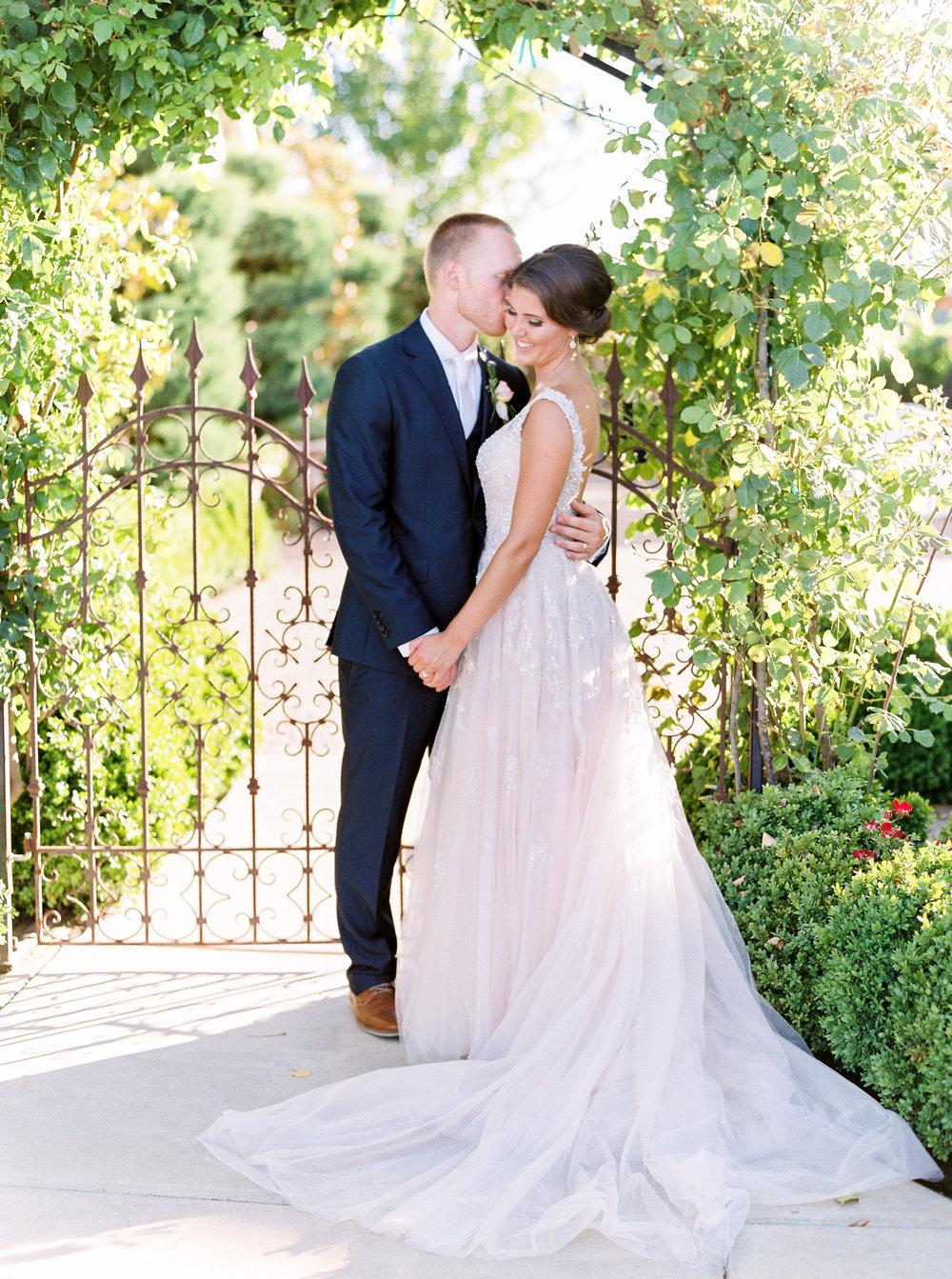 blush-wedding-at-scribner-bend-vineyards-sacramento-california-1-26.jpg