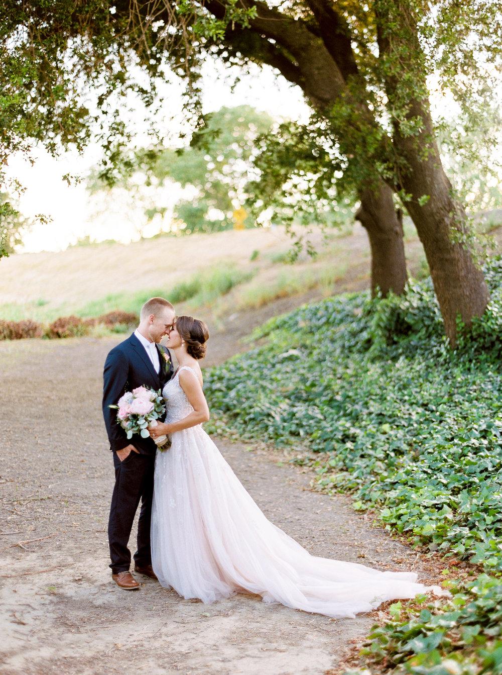 blush-wedding-at-scribner-bend-vineyards-sacramento-california-1-29.jpg