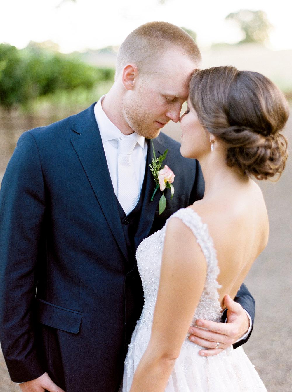 blush-wedding-at-scribner-bend-vineyards-sacramento-california-105.jpg