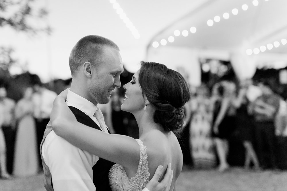 blush-wedding-at-scribner-bend-vineyards-sacramento-california-1-31.jpg