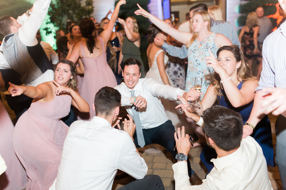 blush-wedding-at-scribner-bend-vineyards-sacramento-california-2-3.jpg
