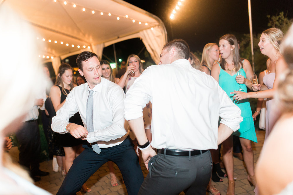 blush-wedding-at-scribner-bend-vineyards-sacramento-california-1-18.jpg