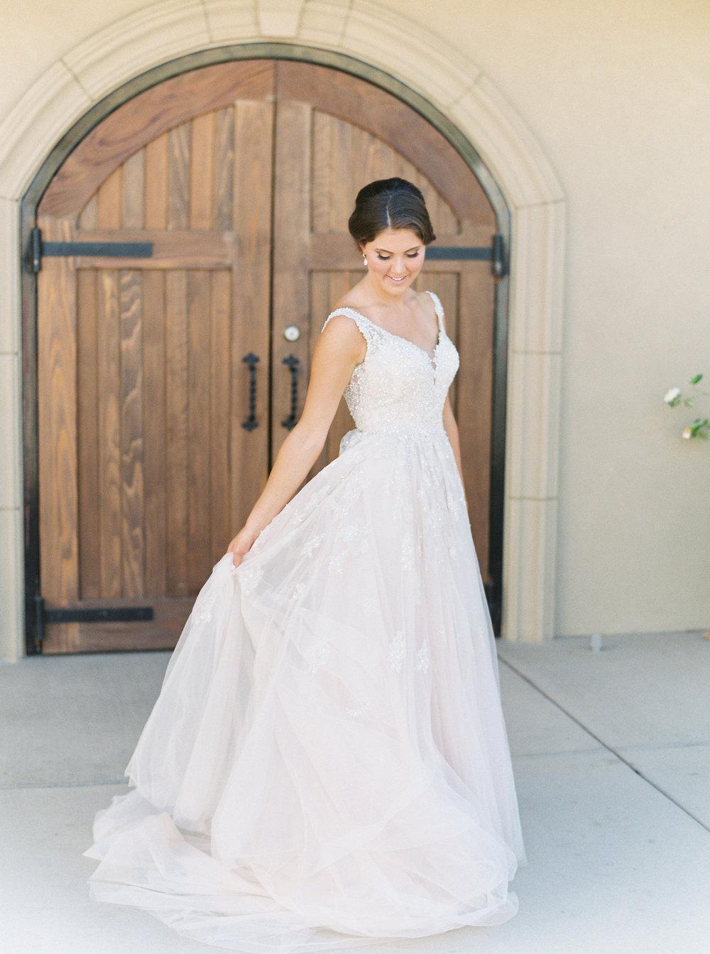 blush-wedding-at-scribner-bend-vineyards-sacramento-california-1-14.jpg