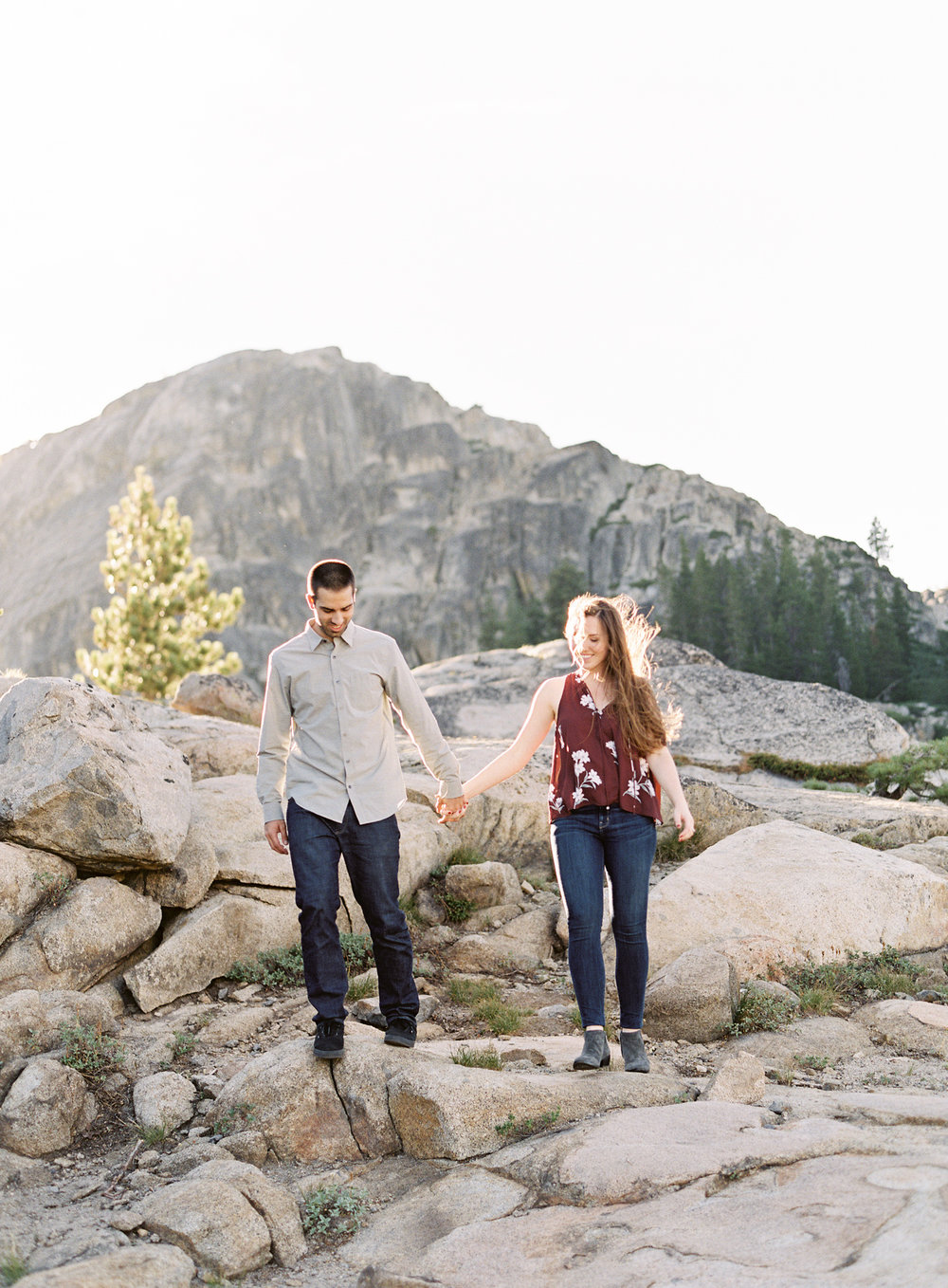 donner-lake-summit-engagement-photography-10.jpg
