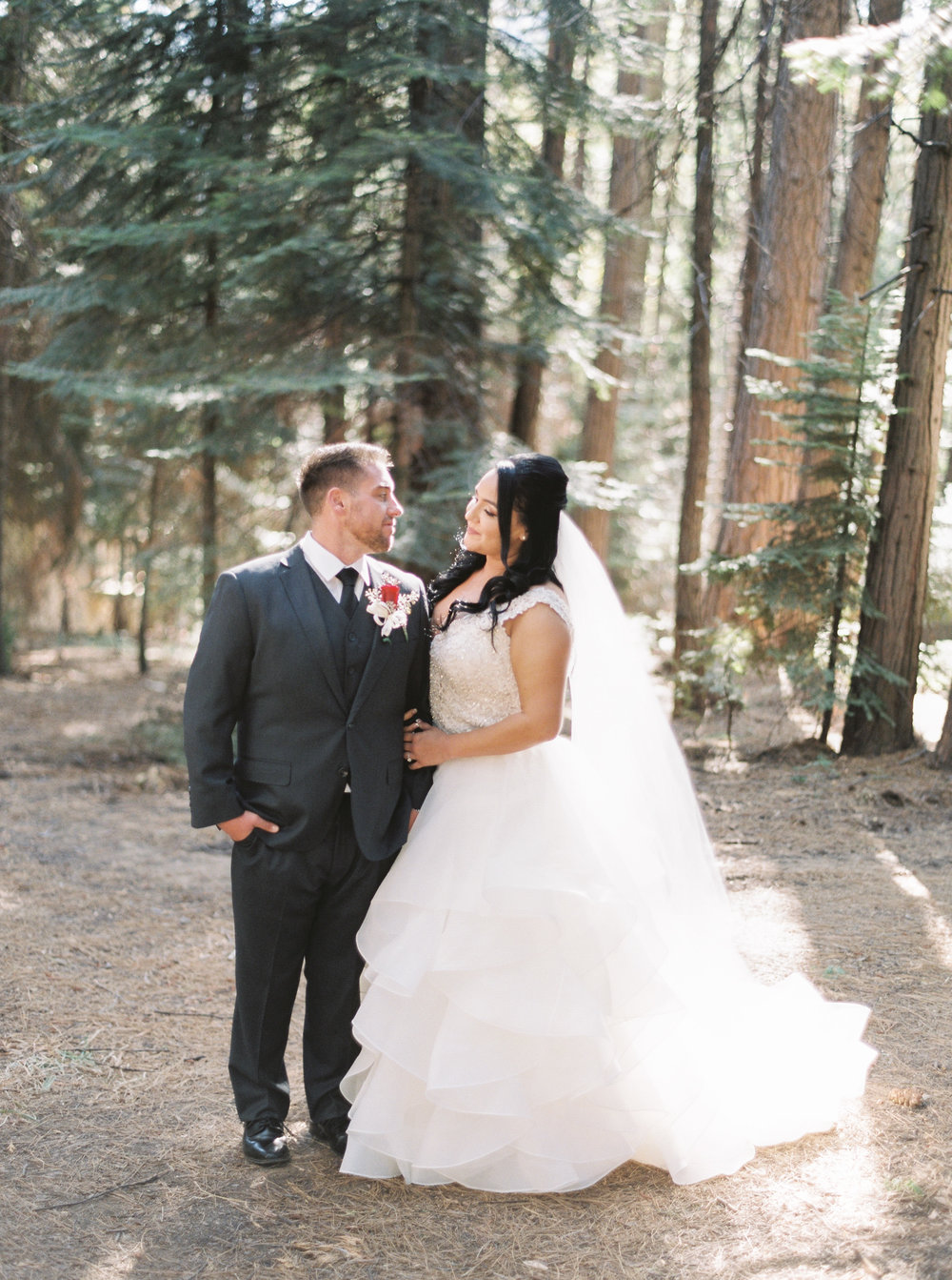 Tenaya-lodge-wedding-at-yosemite-national-park-california-43.jpg