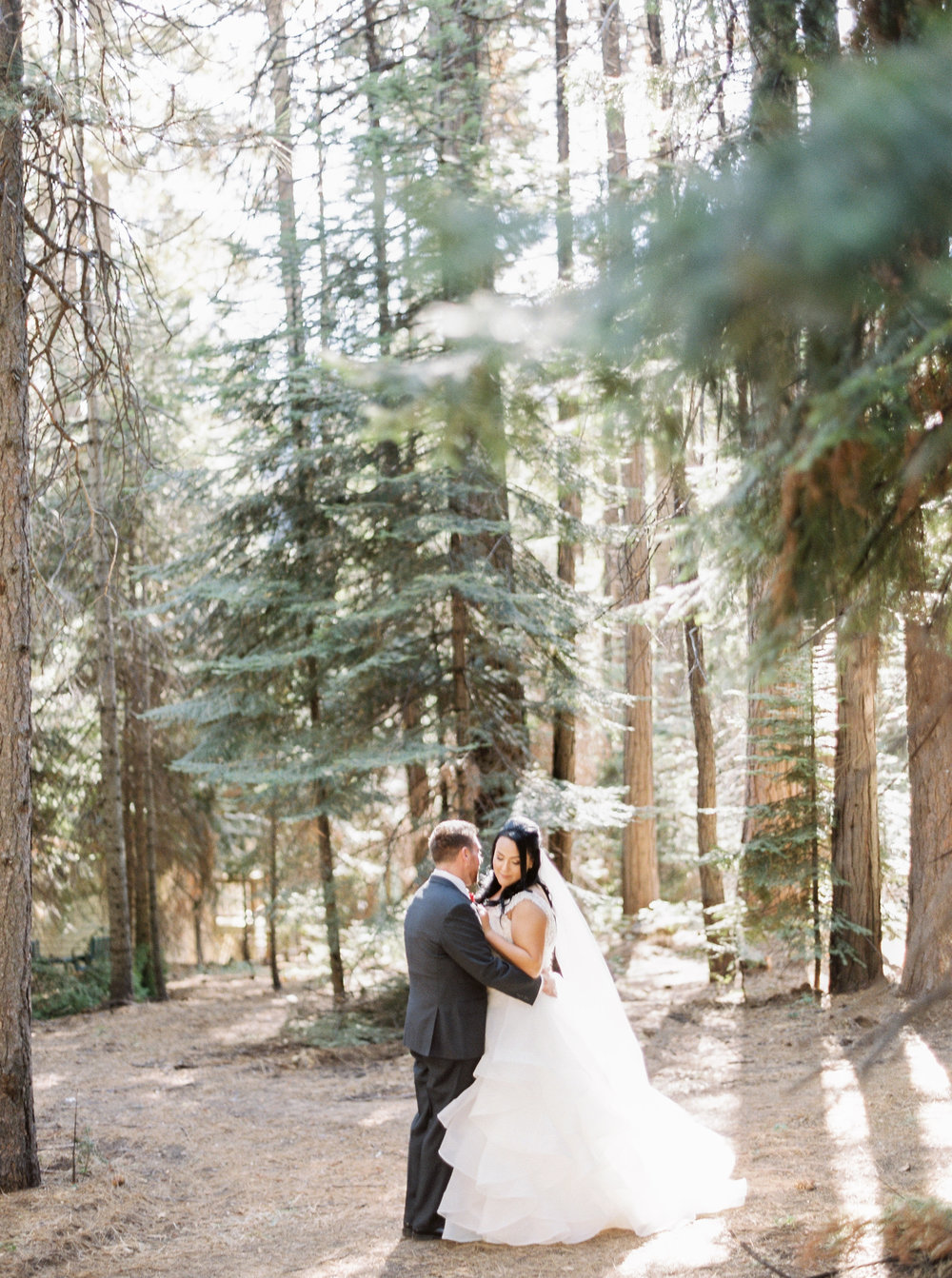 Tenaya-lodge-wedding-at-yosemite-national-park-california-1-3.jpg