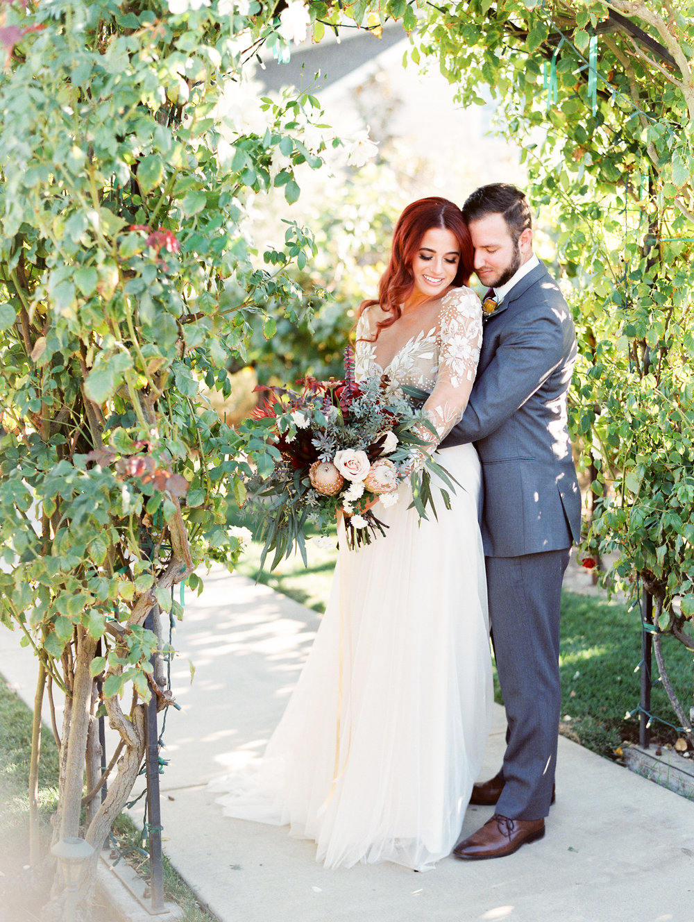fall-inspired-wedding-at-scribner-bend-vineyards-in-sacramento-california-1-7.jpg