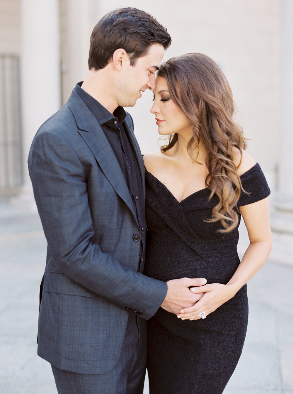Classic and Romanic Maternity Session at Legion of Honor in San Francisco California