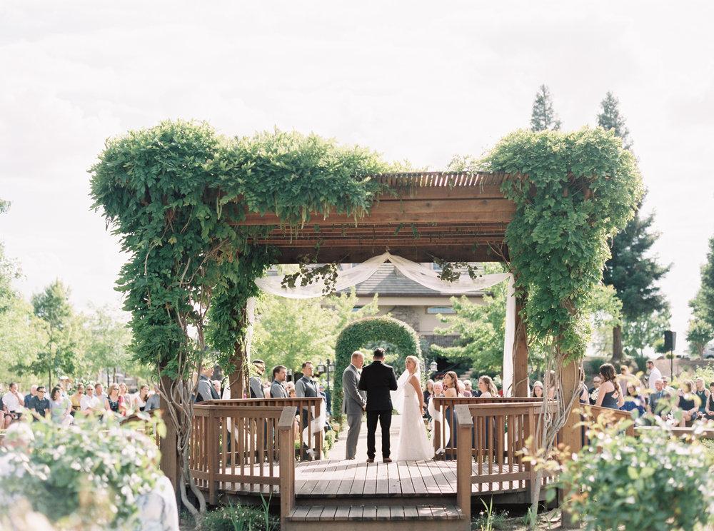 wolfe-heights-event-center-wedding-sacramento-california-wedding-35.jpg