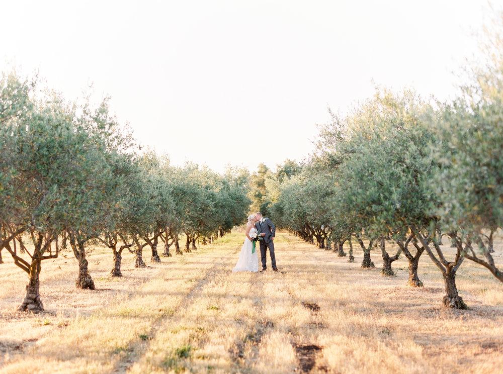 wolfe-heights-event-center-wedding-sacramento-california-wedding-25.jpg