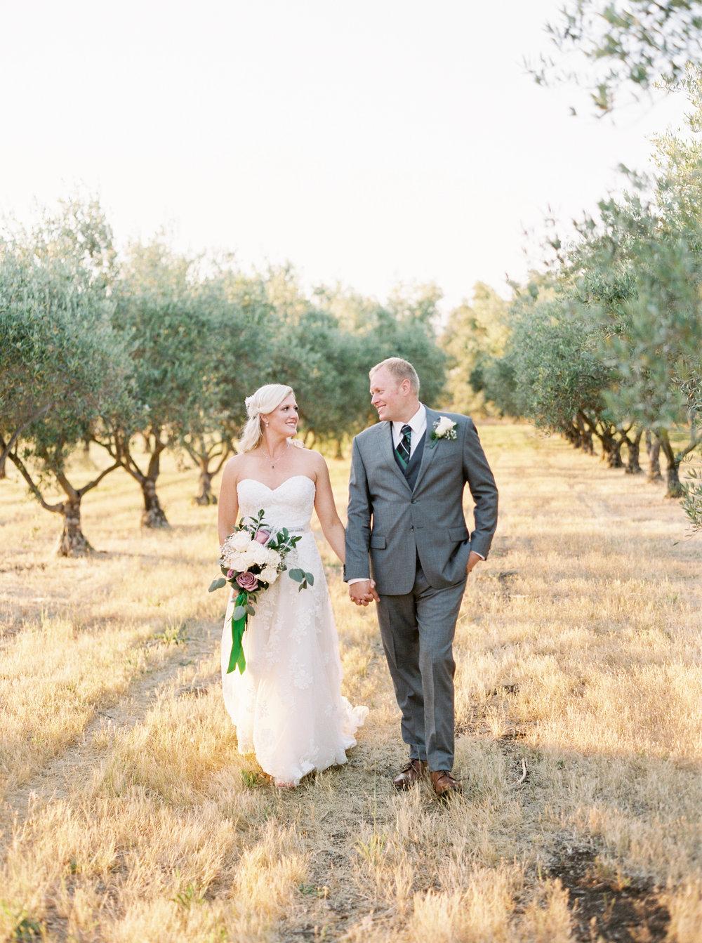 wolfe-heights-event-center-wedding-sacramento-california-wedding-27.jpg