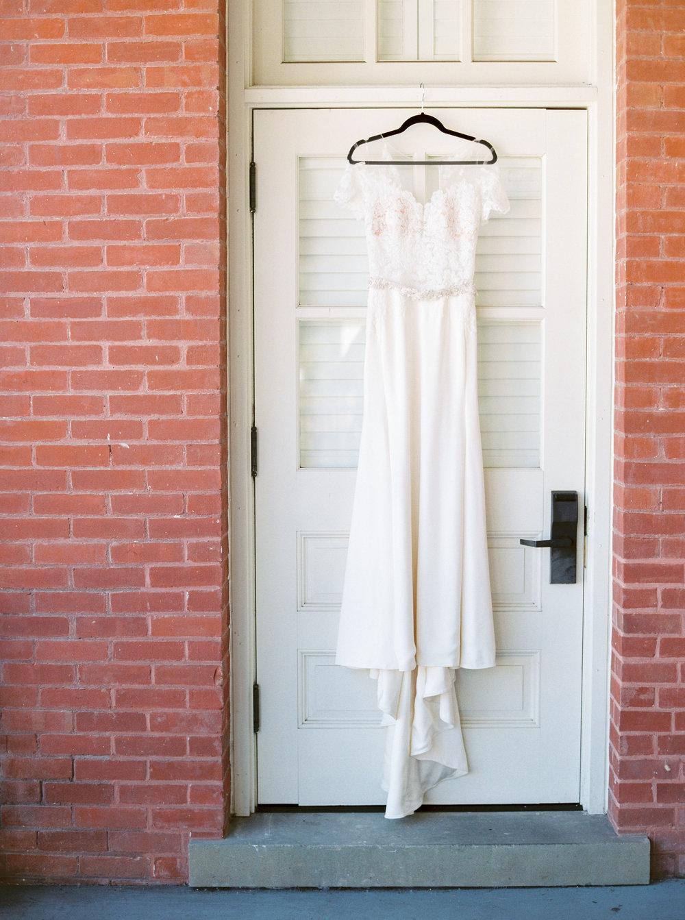 Log-cabin-wedding-in-presidio-san-francisco-california-desintation-wedding-photography-2.jpg