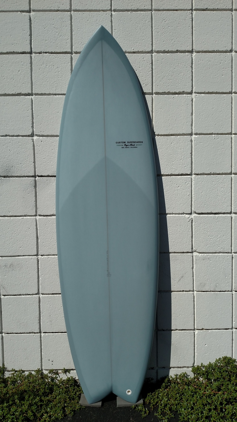 Roger-Hinds-Surfboards-Dream-Fish-Deck_Slate.jpg