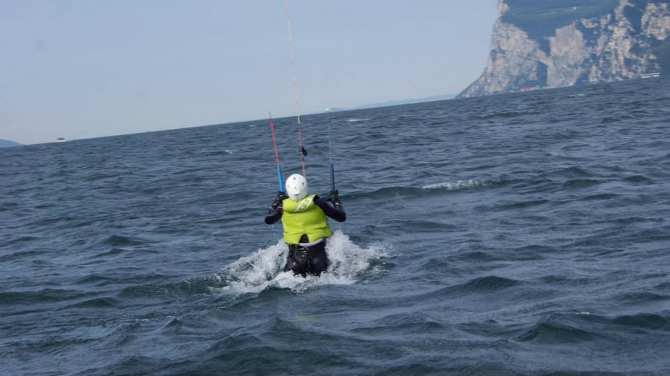 kitesurf test lesson on lake garda, limone