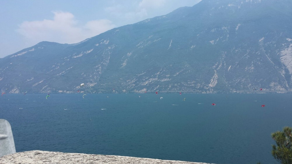 Garda meer tijdens de maand Augustus
