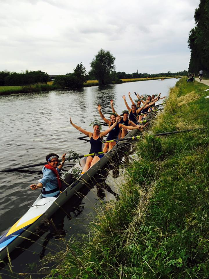 W1 looking happy, having bumped City 4 on Ditton.
