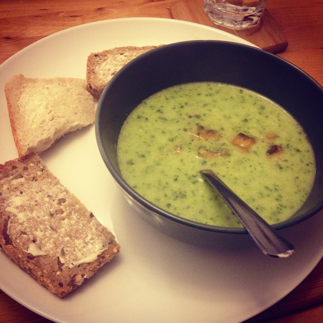 Meat-free: Day 3. Green chilli and kale soup.