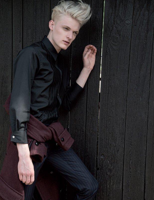 Flemming – Editorial Vanidad Spanen, Fotografin: Estelle Klawitter – Dior Homme, Givenchy, Saint Laurent, Salvatore Ferragamo