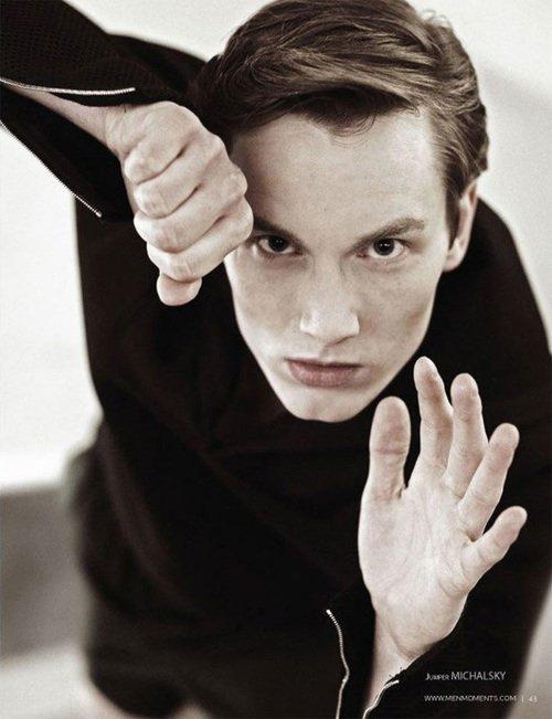 Helge @ DOPAMIN MODELS Düsseldorf – Male Model Management Modelagentur – Men Moments Magazine by Claudius Holzmann