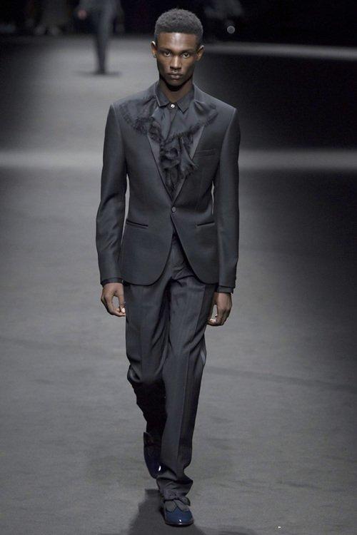 Versace S/S 17 Men's Show Milan