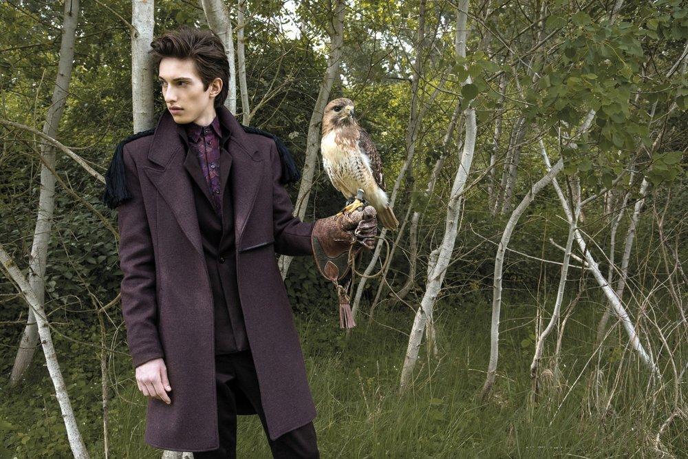 "Mode-Editorial ""Noble Hawk"" für Dolce Vita Luxus-Magazin Kanada, Model: Pascal"