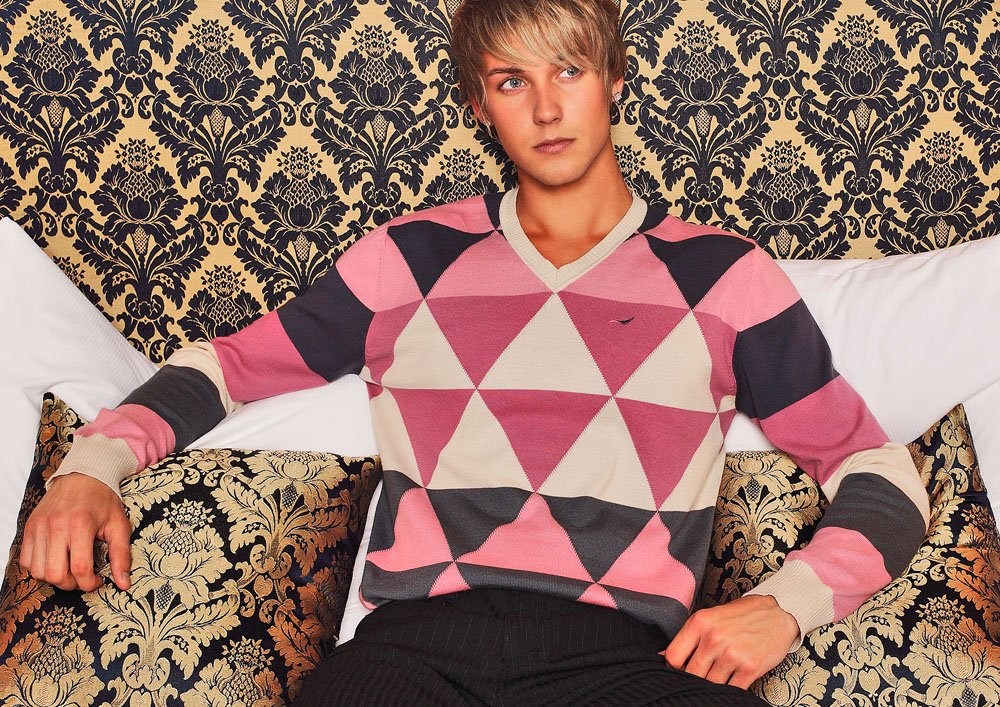 "DOPAMIN helsinki soft cotton jumper with V-neck, weicher Baumwollpullover mit V-Ausschnitt, Model: James                        Normal     0             21             false     false     false         DE     X-NONE     X-NONE                                                                                                                                                                                                                                                                                                                                                                                                                                                                                                                                                                                                                                                                                                                                                                                                                                                                                                                                                                                                                                                                                                                                                                                                                                                                                                                                                                                                                                                                                                                                                                                                                                                                                                     /* Style Definitions */  table.MsoNormalTable 	{mso-style-name:""Normale Tabelle""; 	mso-tstyle-rowband-size:0; 	mso-tstyle-colband-size:0; 	mso-style-noshow:yes; 	mso-style-priority:99; 	mso-style-parent:""""; 	mso-padding-alt:0cm 5.4pt 0cm 5.4pt; 	mso-para-margin-top:0cm; 	mso-para-margin-right:0cm; 	mso-para-margin-bottom:8.0pt; 	mso-para-margin-left:0cm; 	line-height:107%; 	mso-pagination:widow-orphan; 	font-size:11.0pt; 	font-family:""Calibri"",sans-serif; 	mso-ascii-font-family:Calibri; 	mso-ascii-theme-font:minor-latin; 	mso-hansi-font-family:Calibri; 	mso-hansi-theme-font:minor-latin; 	mso-bidi-font-family:""Times New Roman""; 	mso-bidi-theme-font:minor-bidi; 	mso-fareast-language:EN-US;}                            Normal     0             21             false     false     false         DE     X-NONE     X-NONE                                                                                                                                                                                                                                                                                                                                                                                                                                                                                                                                                                                                                                                                                                                                                                                                                                                                                                                                                                                                                                                                                                                                                                                                                                                                                                                                                                                                                                                                                                                                                                                                                                                                                                     /* Style Definitions */  table.MsoNormalTable 	{mso-style-name:""Normale Tabelle""; 	mso-tstyle-rowband-size:0; 	mso-tstyle-colband-size:0; 	mso-style-noshow:yes; 	mso-style-priority:99; 	mso-style-parent:""""; 	mso-padding-alt:0cm 5.4pt 0cm 5.4pt; 	mso-para-margin-top:0cm; 	mso-para-margin-right:0cm; 	mso-para-margin-bottom:8.0pt; 	mso-para-margin-left:0cm; 	line-height:107%; 	mso-pagination:widow-orphan; 	font-size:11.0pt; 	font-family:""Calibri"",sans-serif; 	mso-ascii-font-family:Calibri; 	mso-ascii-theme-font:minor-latin; 	mso-hansi-font-family:Calibri; 	mso-hansi-theme-font:minor-latin; 	mso-bidi-font-family:""Times New Roman""; 	mso-bidi-theme-font:minor-bidi; 	mso-fareast-language:EN-US;}"
